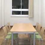 展示会の際の商談スペースとして、またスタッフの控え室としてショールームの補助的に使える便利な部屋です。